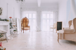 Аренда фотостудии в Минске, интерьерный зал Family, новогодняя фотостудия