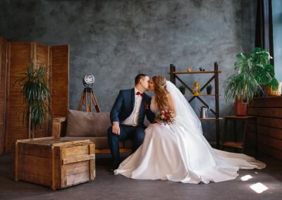 Интерьерная фотостудия для свадебных фотосессия в аренду Минск