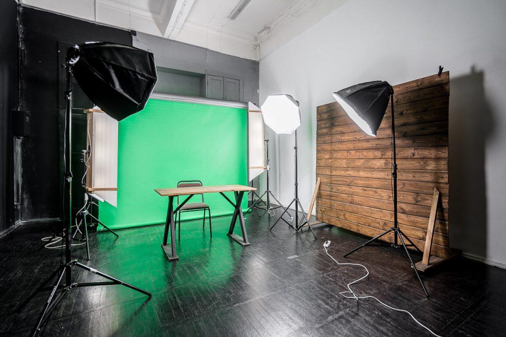 Зал для видеосъемки Блоггер, видеосвет и хромакей в Минске