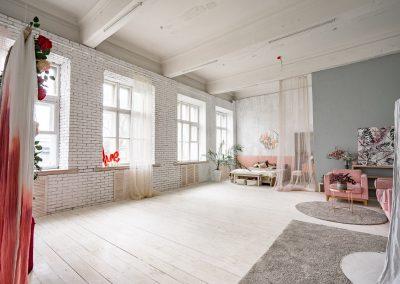 Фотостудия для фото и видеосъемки в Минске, аренда интерьерных залов с мебелью и оборудованием для фото и видео съемки